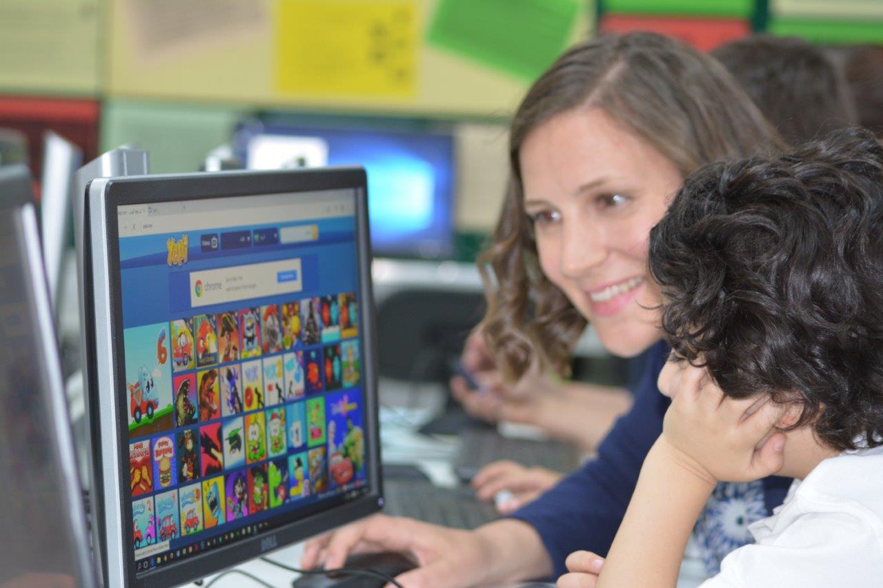 التعليم عبر الإنترنت